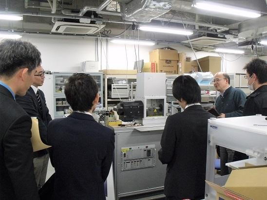 トライボロジーセンター: トライボロジーセンターに設置されたSRV試験機などを見学