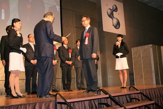 表彰される日本精工